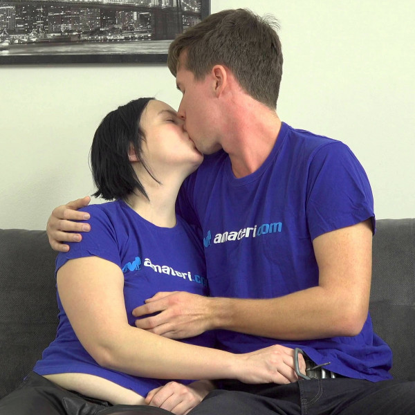 Shy amateur couple shows their sex skills - Photo 1 / 16